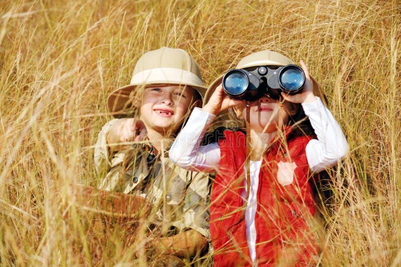 Erforschenkinder lizenzfreies stockfoto