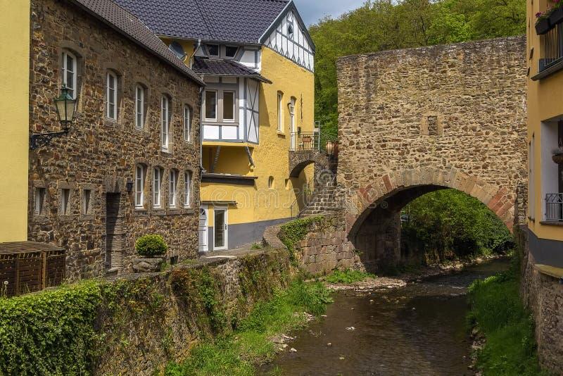 Erftrivier in Slechte Munstereifel, Duitsland stock foto's