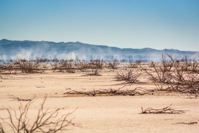 Erg Chigaga Maroko, Październik, - 09, 2013 Suchy jezioro Iriki w saharze obrazy royalty free
