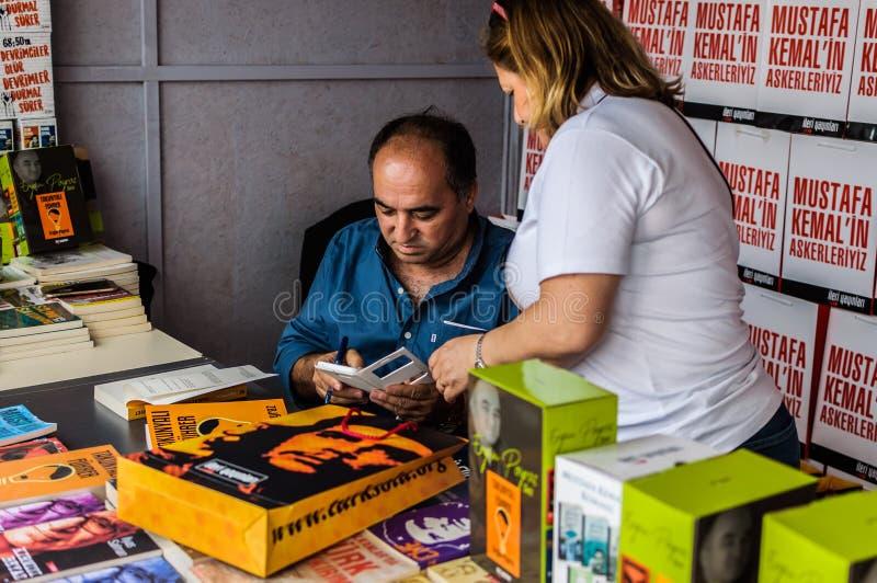 Ergun Poyraz na semana turca da apreciação da literatura foto de stock