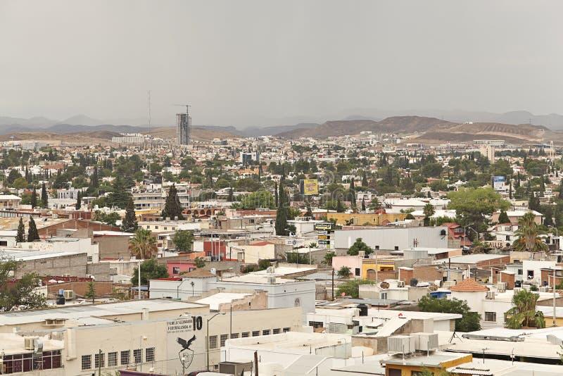 Erhöhte Ansicht Chihuahua-Mexikos der Stadt lizenzfreie stockfotografie