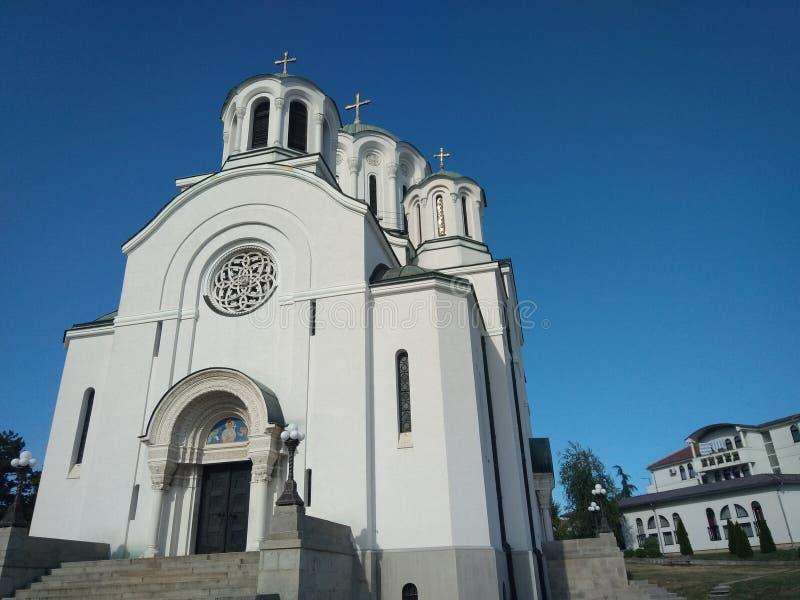 Erinnerungskirche des Heiligen Dimitrije, Lazarevac, Serbien lizenzfreie stockfotografie