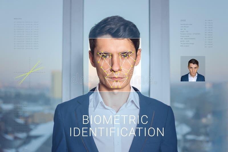 Erkännande av den manliga framsidan Biometric verifikation och ID royaltyfri fotografi