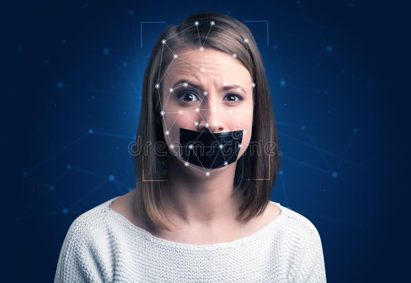 Erkenning van een gezicht door een netwerk in lagen aan te brengen stock afbeelding