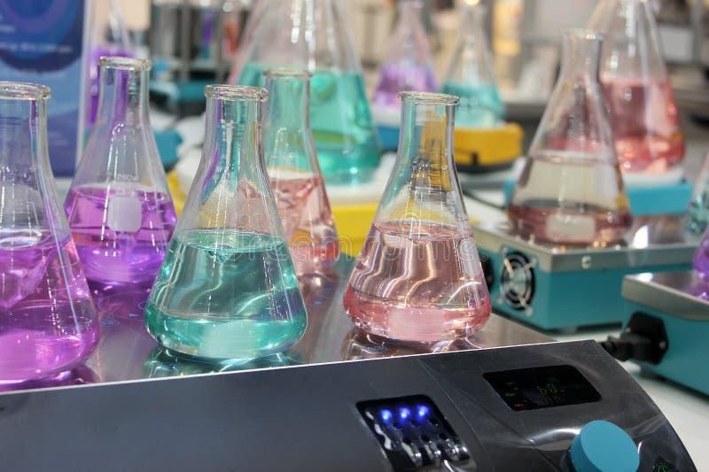 erlenmeyer flaskor arkivbilder