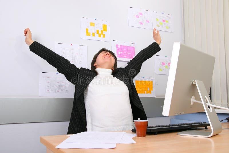Ermüdete den Angestellten vom Büro stockfotos