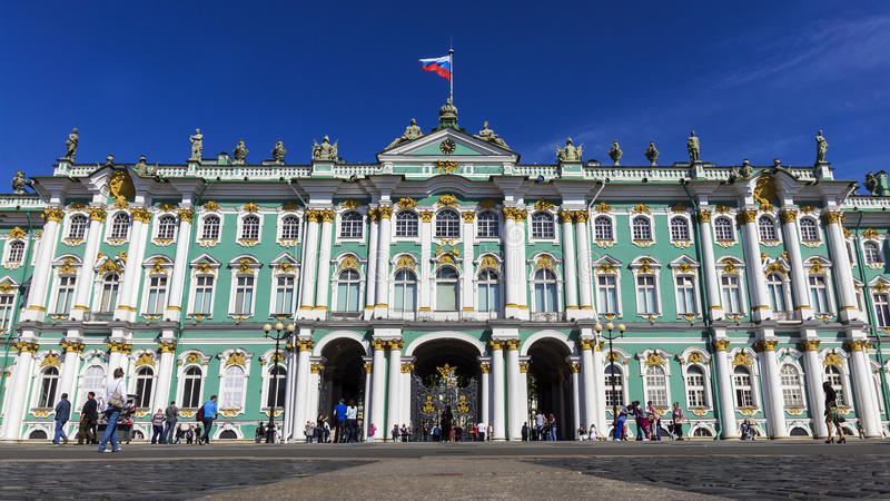 Ermita en cuadrado del palacio en St Petersburg, Rusia fotos de archivo