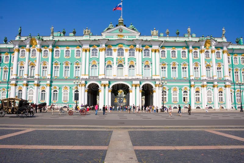 Ermitage dans le St Petersbourg image stock