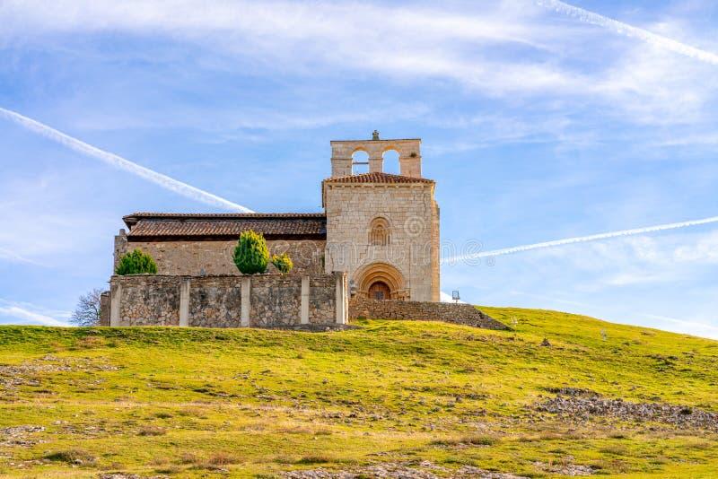 Ermitage roman de San Pantaleon de Losa, de la légende du Saint Graal, en Espagne image libre de droits