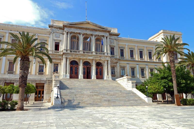 Ermoupoli stad på den Syros ön arkivfoton