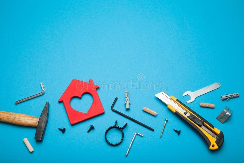 Erneuern Sie Servicekonzept, Heimwerkerauftragnehmer Kopieren Sie Raum f?r Text lizenzfreies stockbild