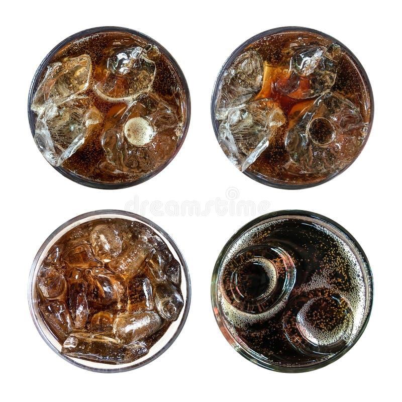 Erneuernde sprudelnde Limonade, Satz von vier kaltem Kolabaumglas der Draufsicht stockfotografie