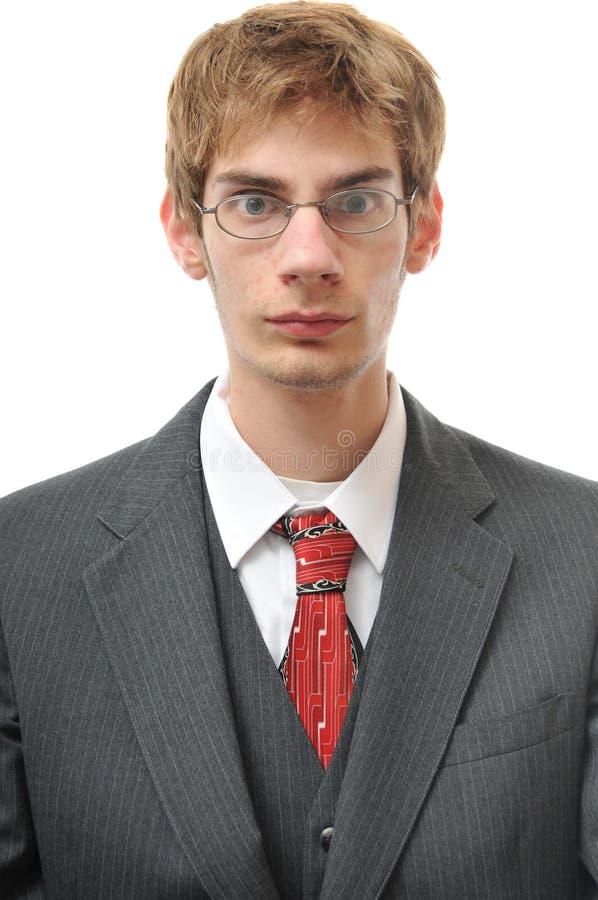 Ernster und direkter objektiver Mann in der Klage stockfotografie