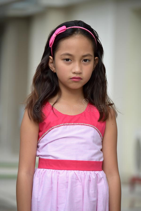Ernstes hübsches Filipina Teen Girl lizenzfreie stockfotos