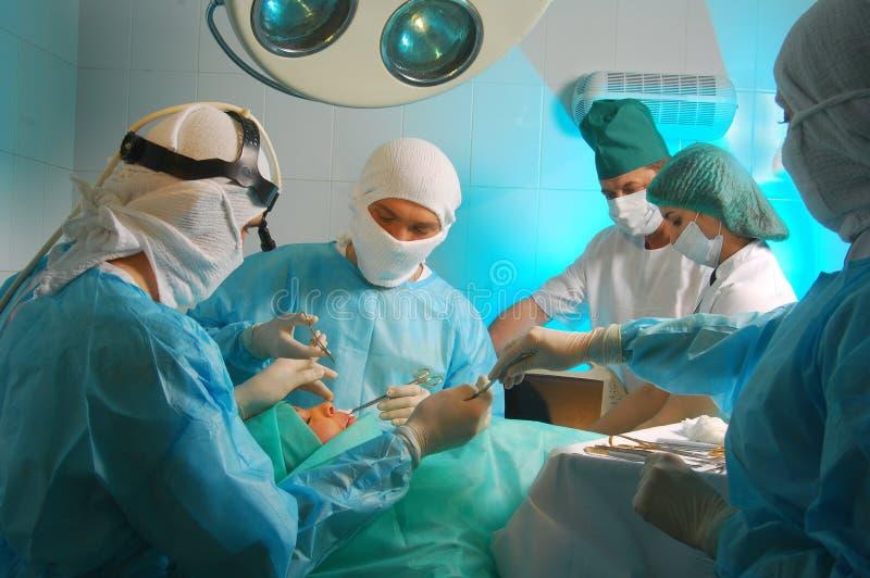 Ernstes medizinisches stockfotos