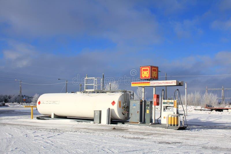 Erogatore del combustibile diesel alla stazione di servizio immagine stock