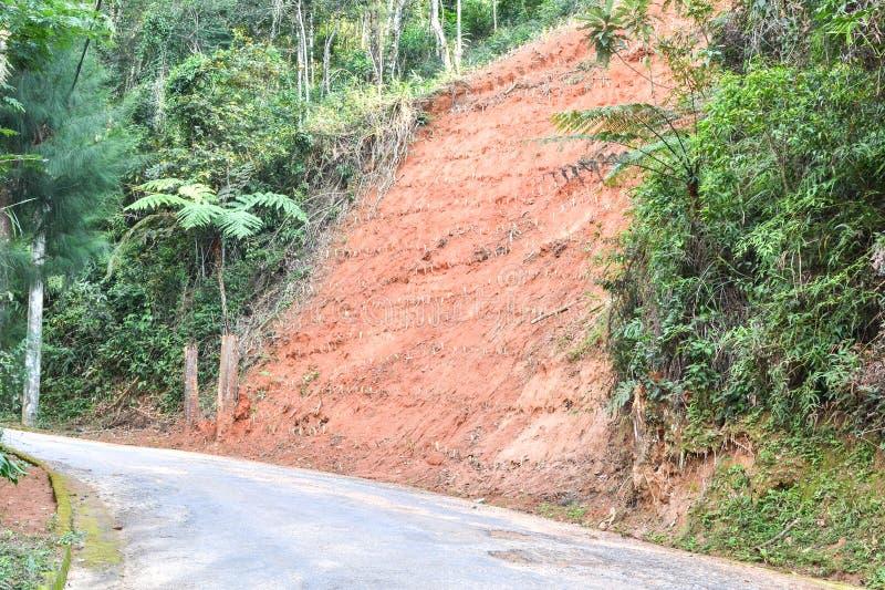 Erosión en el lado del camino fotografía de archivo