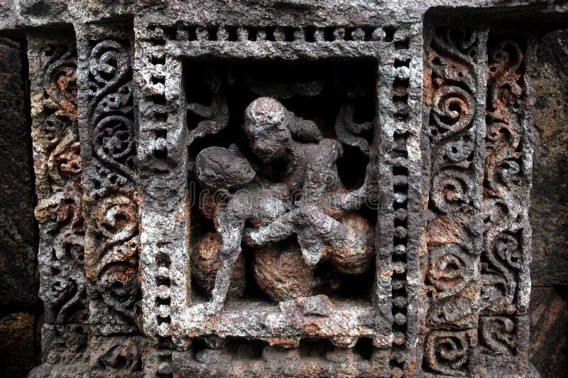 Erotisch Indisch tempelbeeldhouwwerk royalty-vrije stock foto's