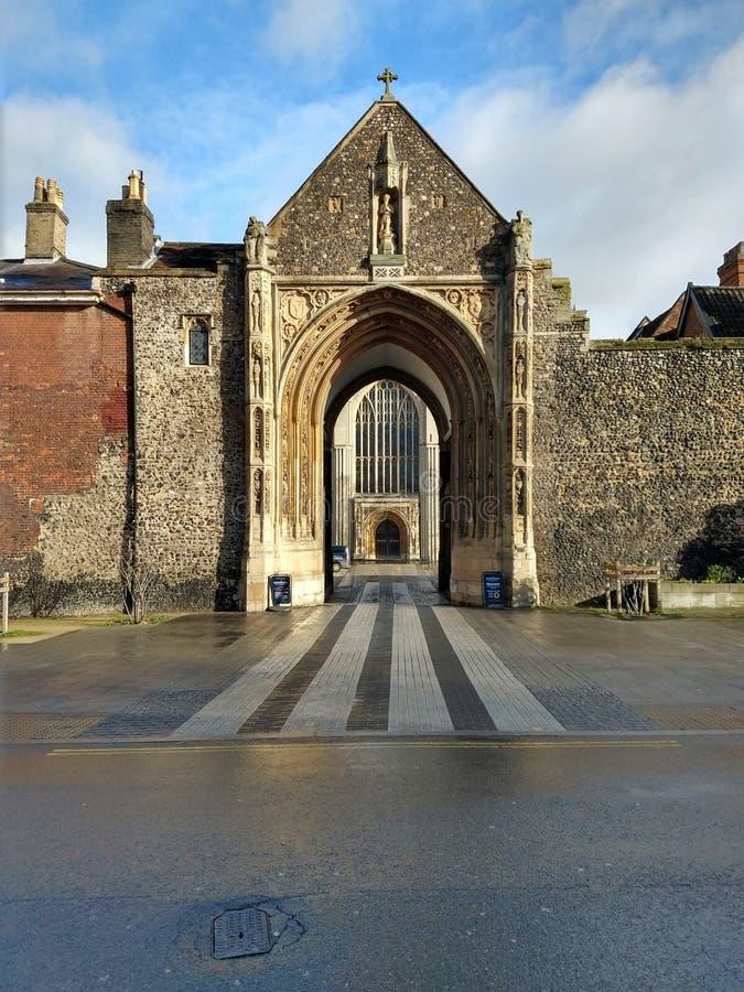 Erpinghampoort, de Kathedraal van Norwich, Norfolk, Engeland royalty-vrije stock afbeelding
