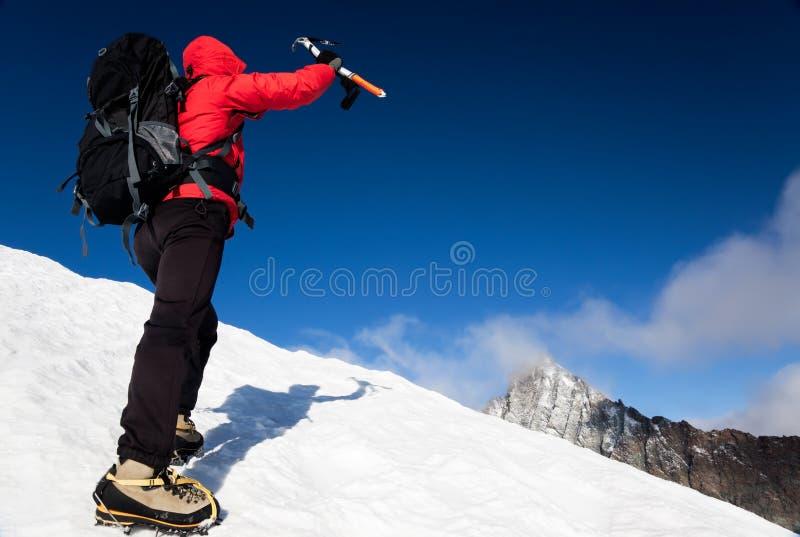 Erreichen des Gipfels stockfoto