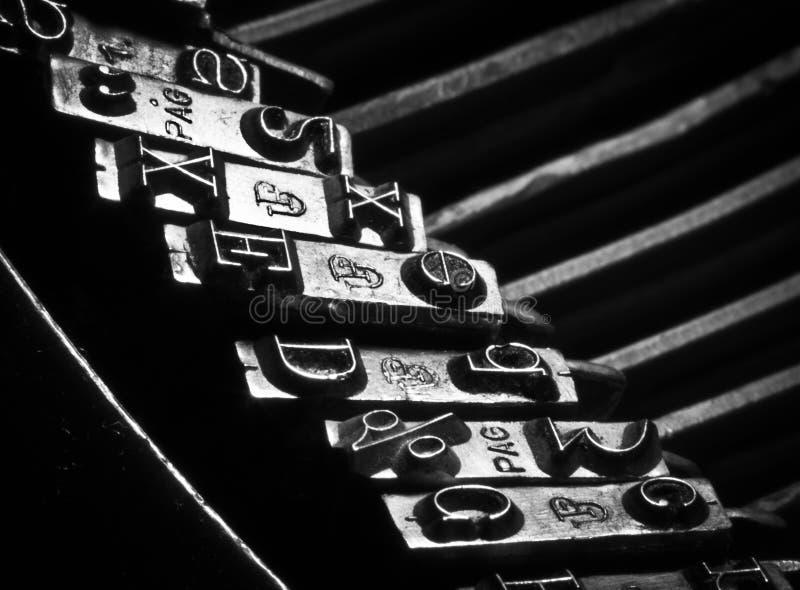 Erros tipográficos de uma máquina de escrever velha fotografia de stock