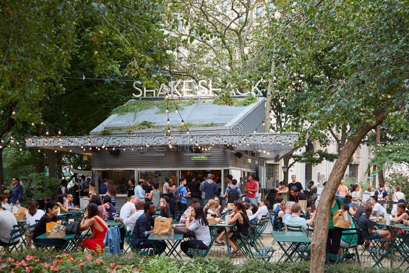 Erschütterungs-Bretterbuderestaurant in Madison Square Park in New York lizenzfreie stockfotos