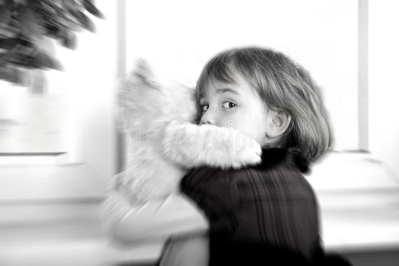 Erschrockenes kleines Mädchen stockbilder