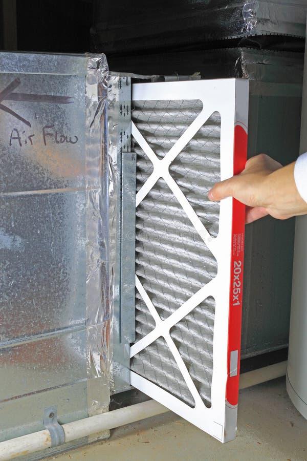 Ersetzen Sie Luftfilter lizenzfreies stockbild