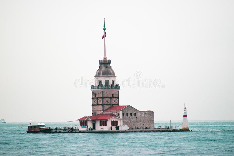 Erst`s Kontrollturm in Istanbul stockfotos