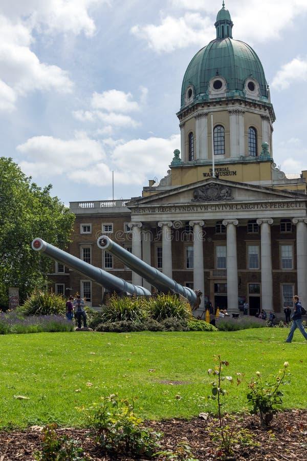 Erstaunliche Ansicht des Kaiserkriegs-Museums, London, England, Vereinigtes Königreich lizenzfreie stockfotos