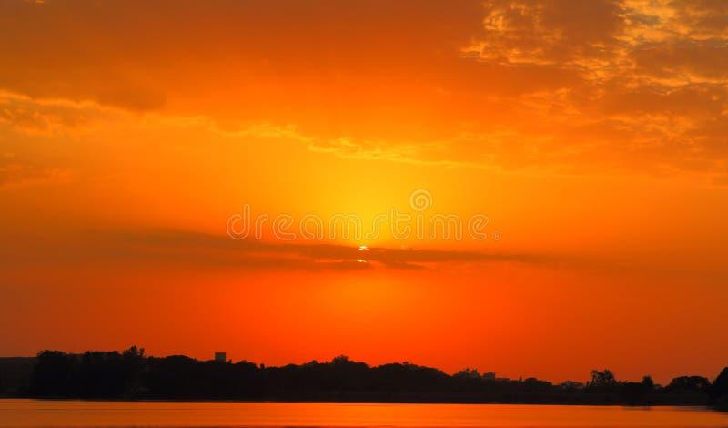 Erstaunliche Ansicht in Himmel stockfoto