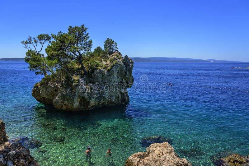 Erstaunliche Ansicht von Brela-Strand, Dalmatien, Kroatien lizenzfreie stockfotos