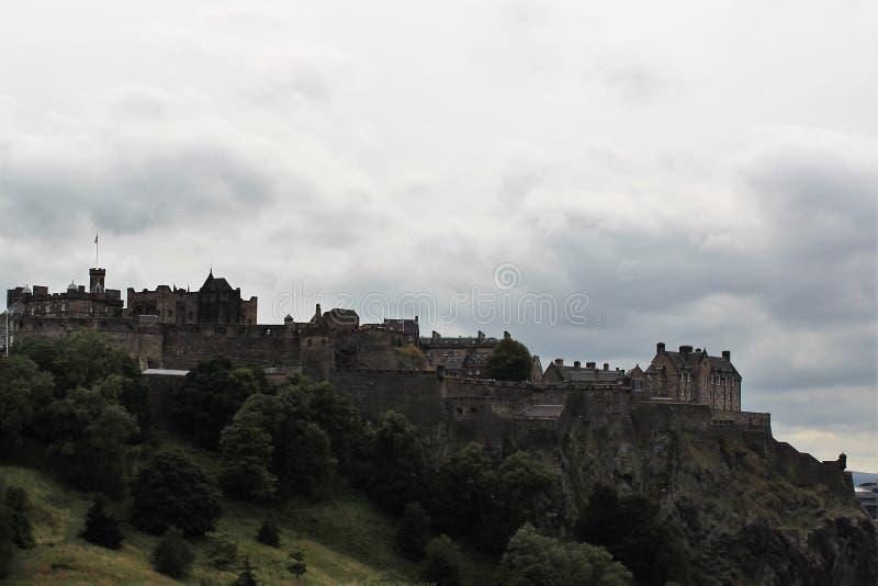 Erstaunliche Ansicht von Edinburgh-Schloss lizenzfreie stockbilder