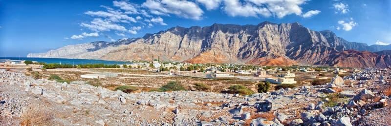 Erstaunliche Gebirgslandschaft in Bukha, Musandam-Halbinsel, Oman lizenzfreies stockbild