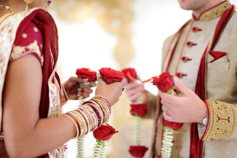 Erstaunliche hindische Hochzeitszeremonie Details der traditionellen indischen Hochzeit stockbilder