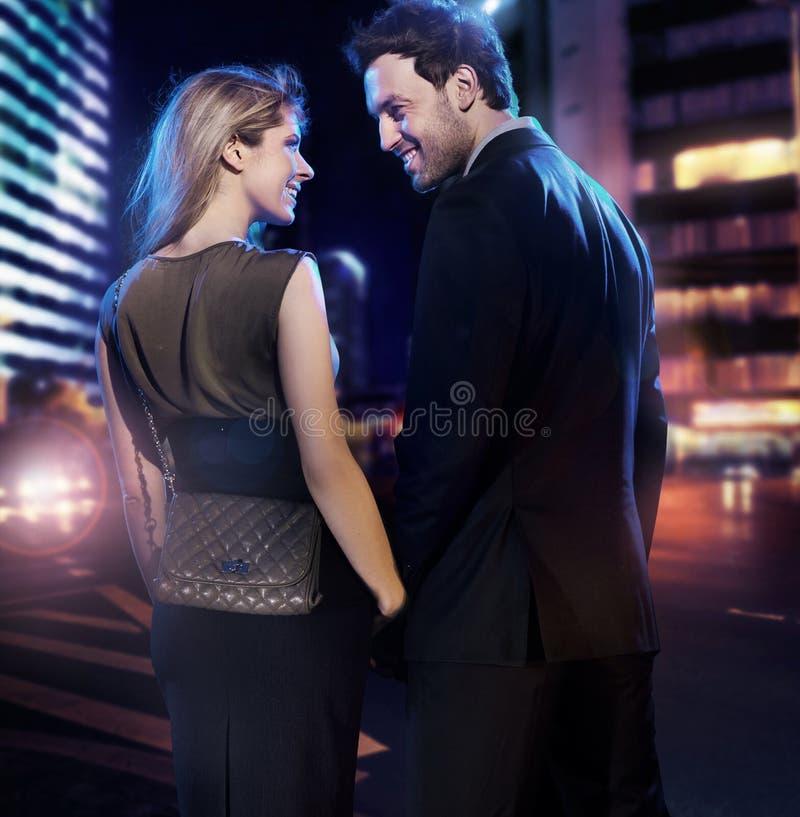 Erstaunliche Paare in der Liebe stockfotos