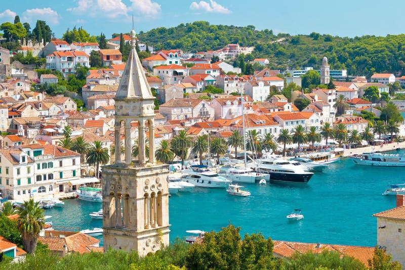 Erstaunliche Stadt von Hvar-Hafen stockfotos