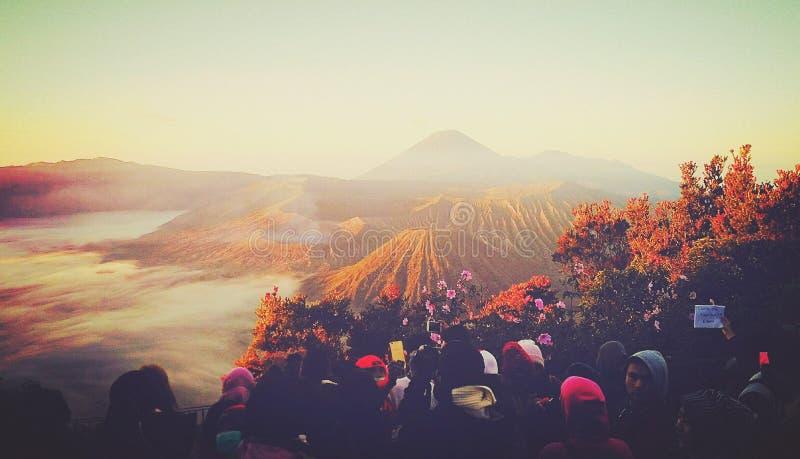 Erstaunliches Panorama an Pananjakan-Standpunkt lizenzfreie stockbilder