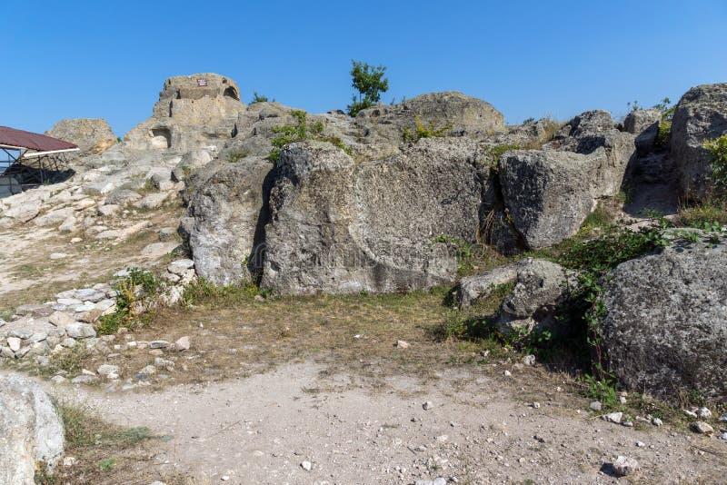 Erstaunliches Panorama um Grab von Orpheus in antikem Thracian-Schongebiet Tatul, Kardzhali-Region lizenzfreies stockbild