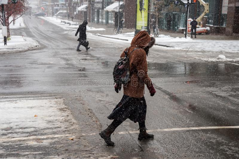Erste Schneefälle Montreals der Jahreszeit stockfoto