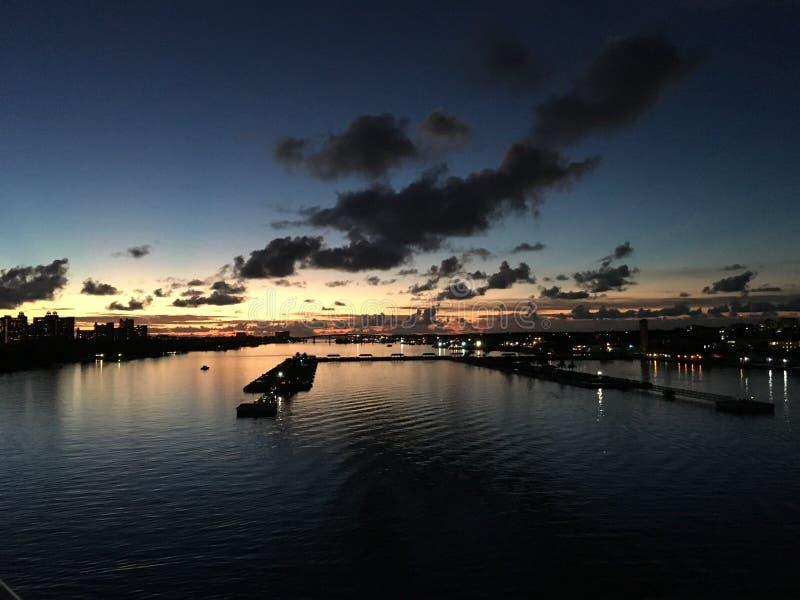 Erstes Licht in den Bahamas lizenzfreies stockbild