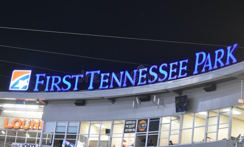 Erstes Tennessee Park-Zeichen nachts stockbild