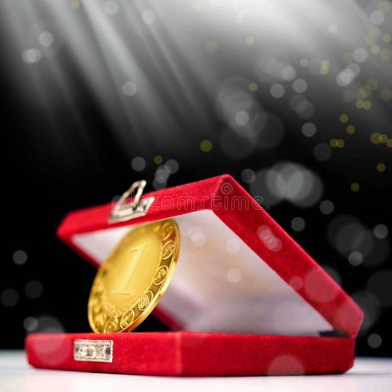 Erstplatz- Goldmedaille lizenzfreie stockbilder
