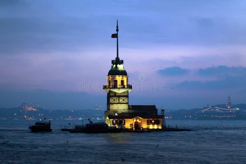 Erstturm Kiz Kulesi in Bosphorus-Straße, Istanbul, die Türkei stockbild