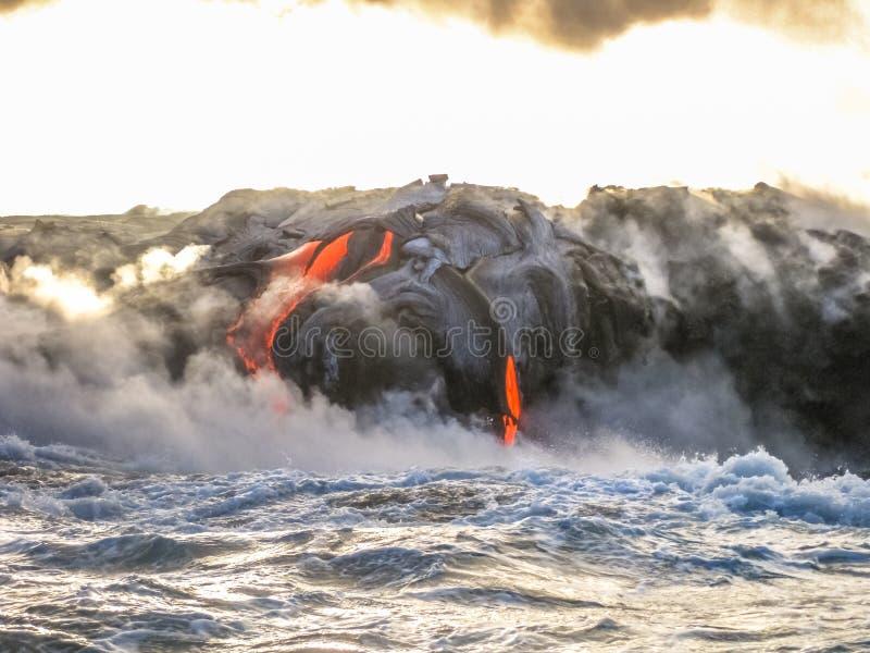 Erupción de la lava de Hawaii imagenes de archivo