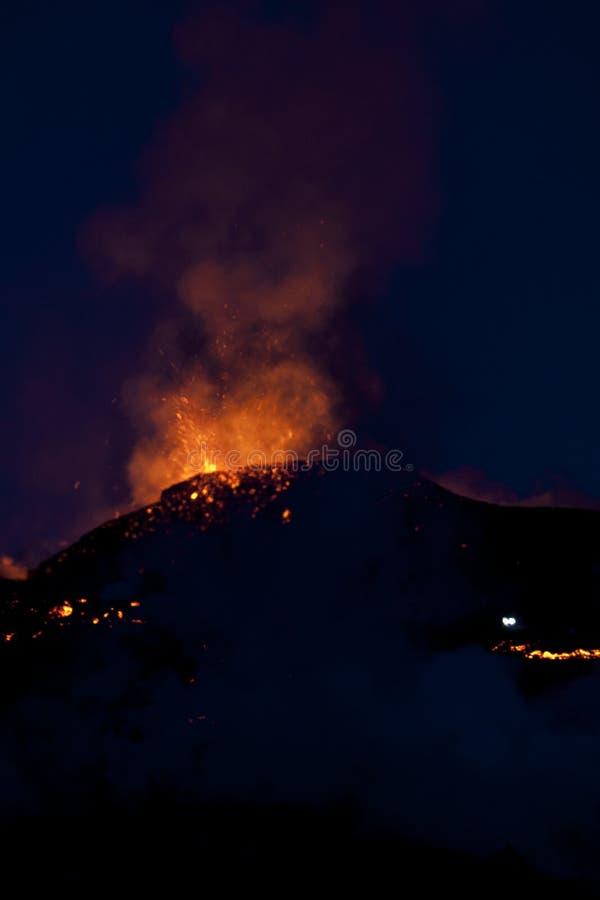 Erupción del volcán, fimmvorduhals Islandia fotografía de archivo