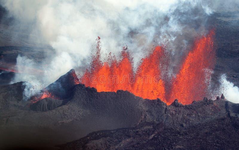 Erupción volcánica en Holuhraun Islandia (2014) imagen de archivo