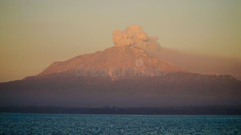 erupting στοκ φωτογραφία