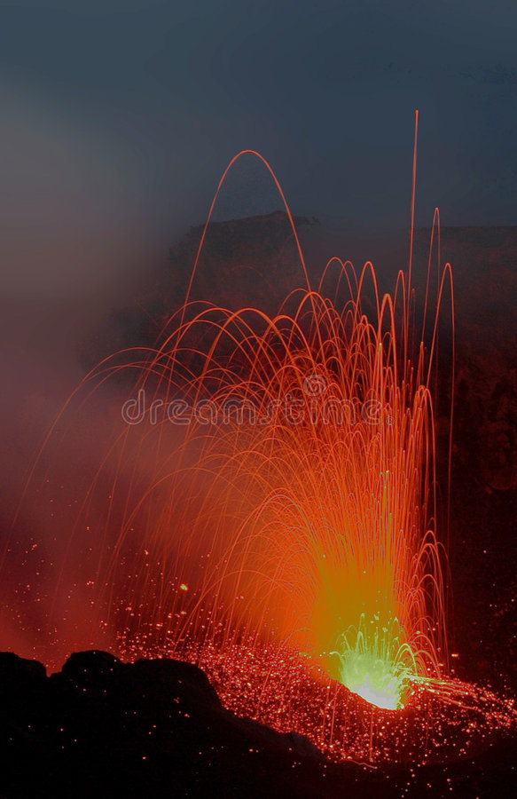 Free Erupting Stromboli From Pizzo Royalty Free Stock Photos - 8643888