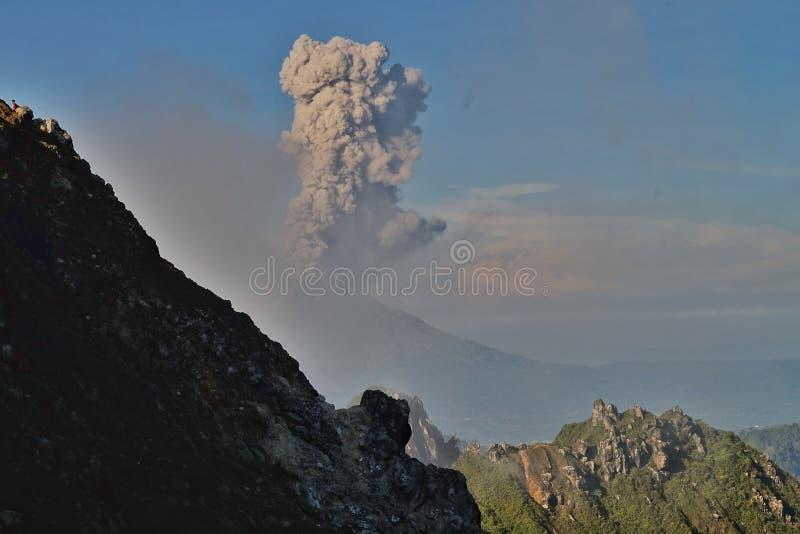 eruption fotos de stock